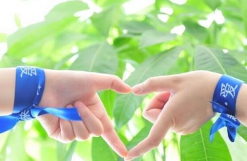 献爱心送温暖 用精准帮扶关爱妇女和留守儿童