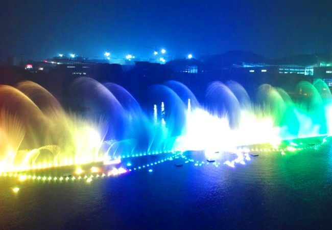 水舞秀抢先看 泸州酒仙湖音乐喷泉进入调试阶段