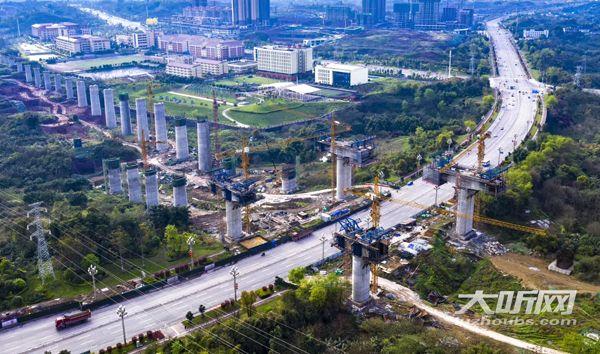 泸州今年推进实施渝昆高铁、叙威高速等项目