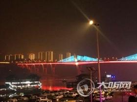 泸州夜景开启春节模式 新增17个节点