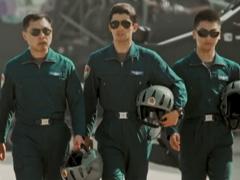 爸爸,pk10赛车彩票彩票长大了也要当兵!