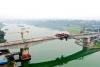 连接泸县和江阳 泸州海潮沱江大桥下月合龙