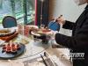 泸州餐饮企业推广公筷公勺使用 助力文明用餐